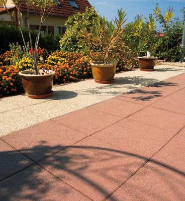 image de Wassergestrahlte Terrassenplatten